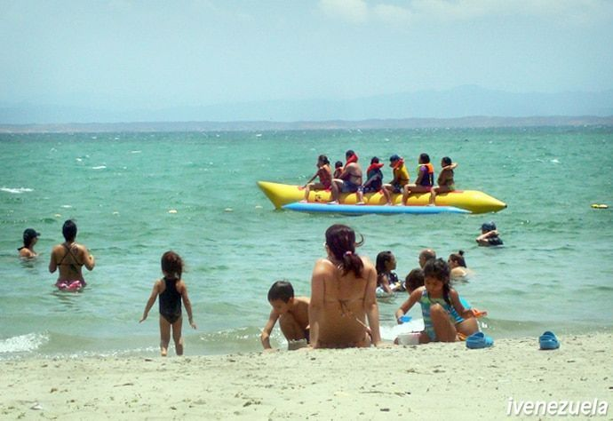 Playa El Yaque el paraiso del windsurf en Margarita