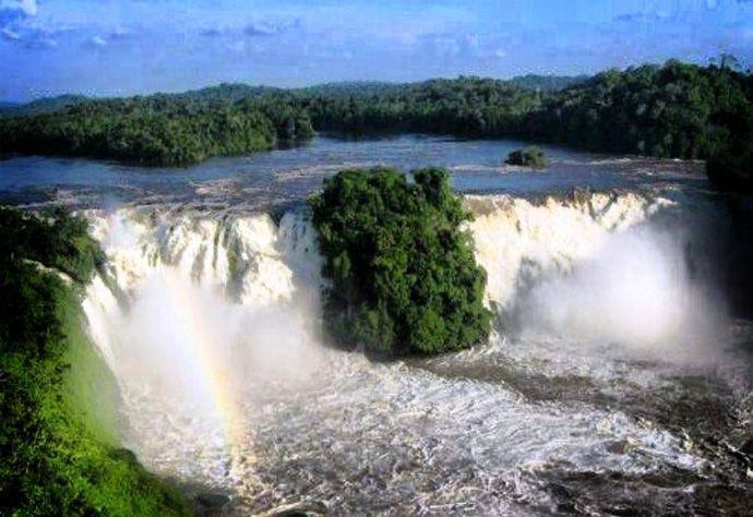 Turismo en el río Caura hasta el salto Pará