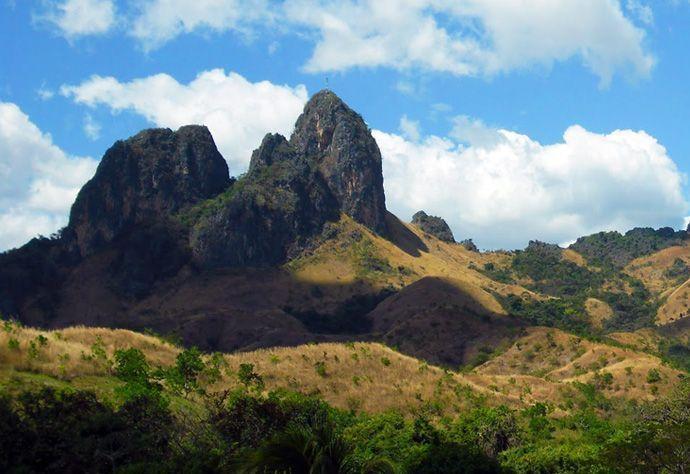 Monumento Natural Arístides Rojas | Morros de San Juan